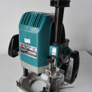 Makita plunge router